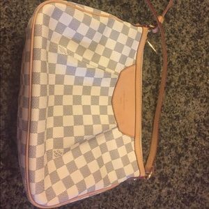 Authentic Louis Vuitton Siracusa crossbody PM